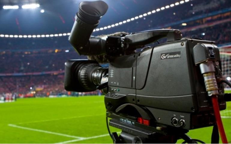 Minder voetbal in Nederlandse huiskamer