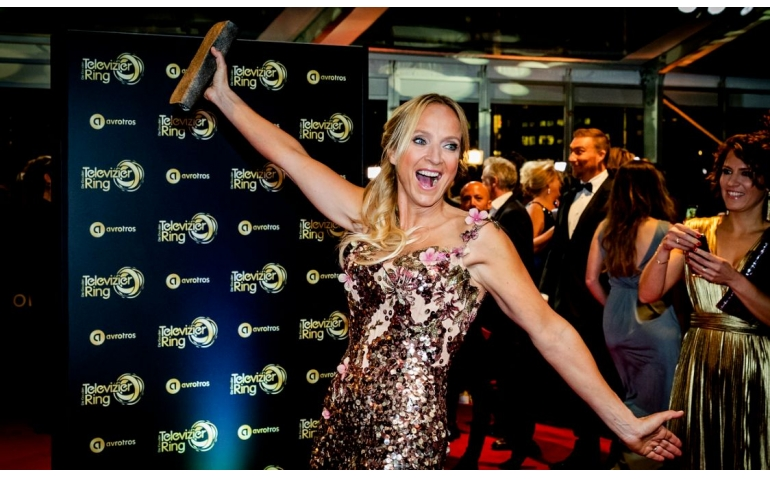 Floortje Dessing winnares Gouden Televizierring 2016