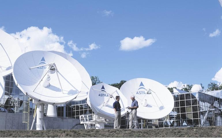 Satelliettelevisie onder druk: SES daagt tv-aanbieder voor rechter