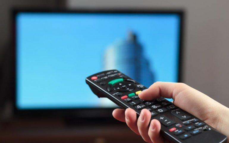 Nederlander kijkt minder naar tv