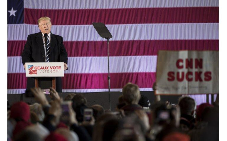 Amerikaanse president Trump laat CNN niet meer toe in Witte Huis (Update)