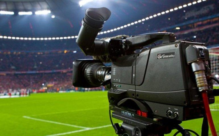 Strijd om uitzendrechten voetbal barst weer los