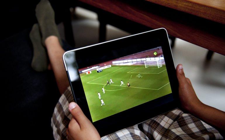 Youfone zet nieuwe stap naar tv-aanbieder