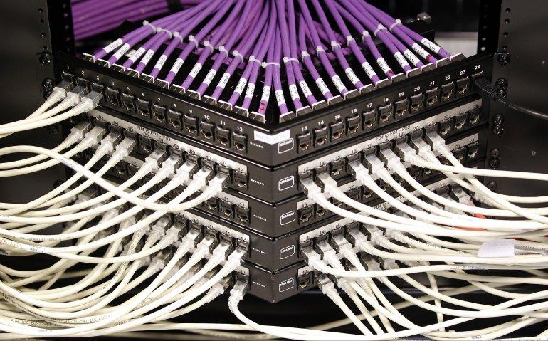 Nederlandse kabel gaat met glasvezel concurreren: internetsnelheid naar 1Gbps