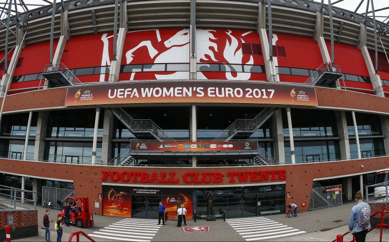 Oranjeleeuwinnen in halve finale EK voetbal tegen Engeland live op tv en radio