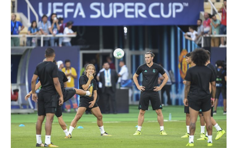 Begin Europees voetbalseizoen met UEFA Supercup live op tv, radio en internet