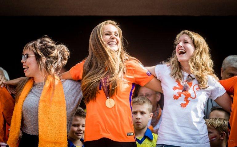 Oranje voetbalvrouwen in WK-kwalificatiewedstrijd Slowakije live op tv