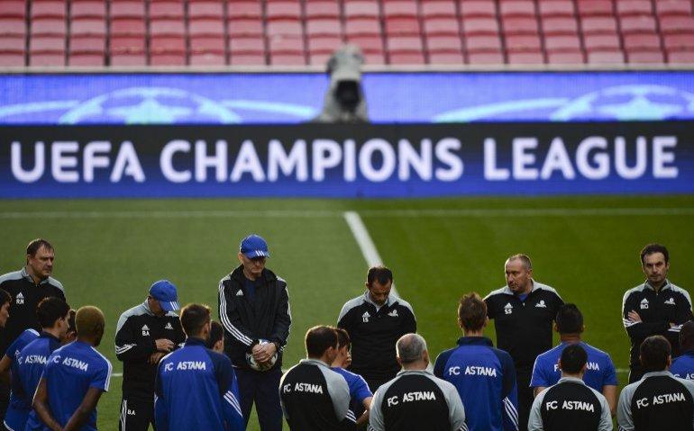 Champions League voor Nederlandse zenders te duur: Voetbal alleen achter de betaalmuur?