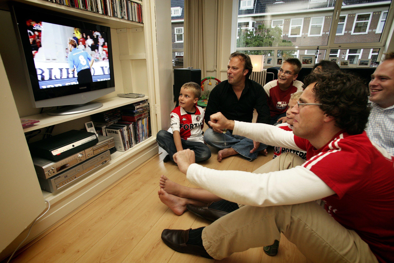 Meer interesse in uitzendrechten voetbal: Prijs wordt hoger