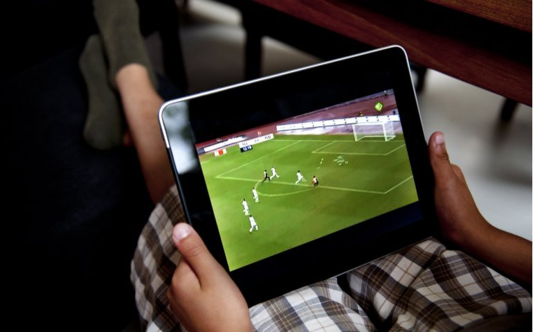 Online tv-kijken in buitenland bij aanbieders eind maart mogelijk