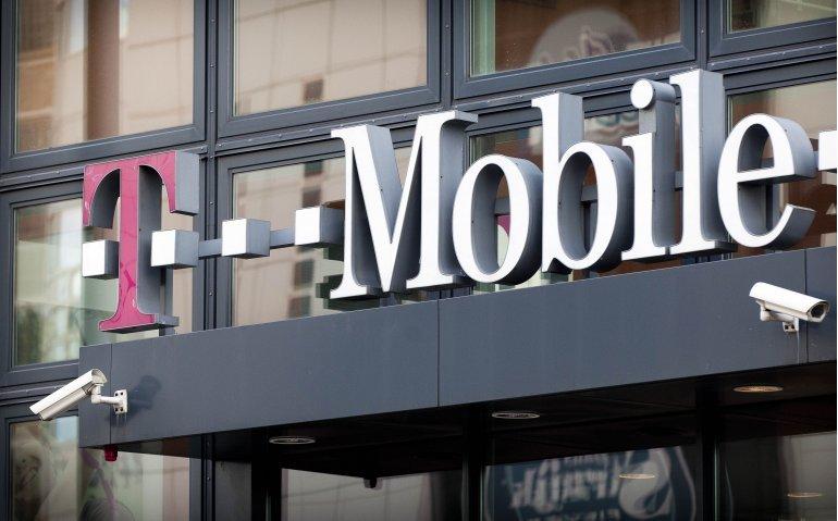 Mobiele netwerken T-Mobile en Vodafone beoordeeld als uitstekend
