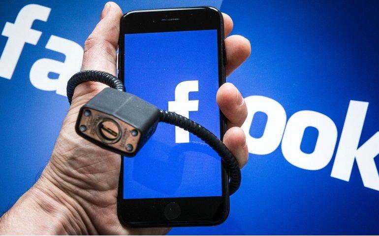 'Publieke omroep moet van Facebook af'