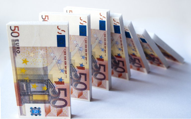 Nederlanders betalen nog meer Eredivisie-belasting