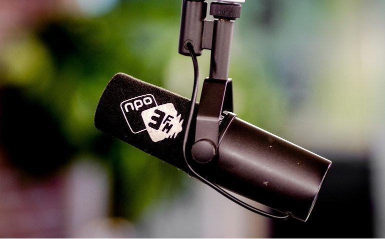 NPO 3FM zakt dieper in het moeras