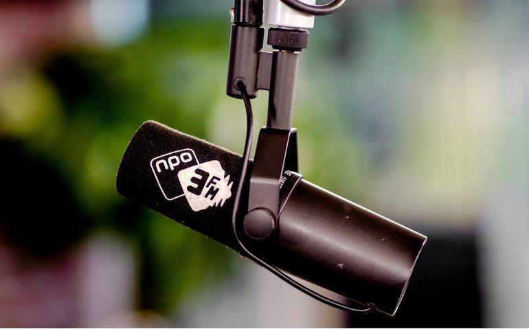 Wanneer grijpt NPO in bij 3FM?