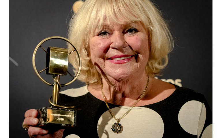 (Update) Oeuvreprijzen voor Radio 5-boegbeeld Tineke de Nooij