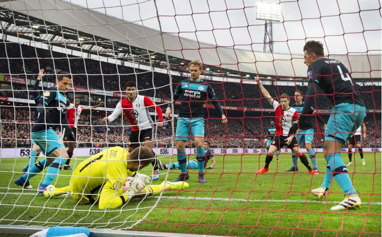 Laatste oefenwedstrijden PSV en Feyenoord live op FOX Sports
