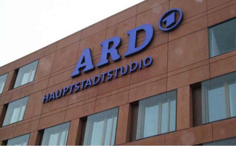 Publieke omroep op jacht naar 170 miljoen euro bij de kijker