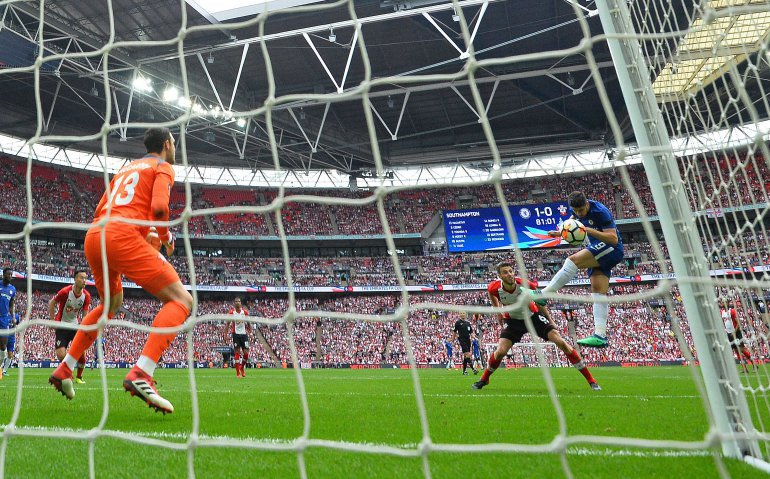 PSV – Tottenham Hotspur live op televisie en radio