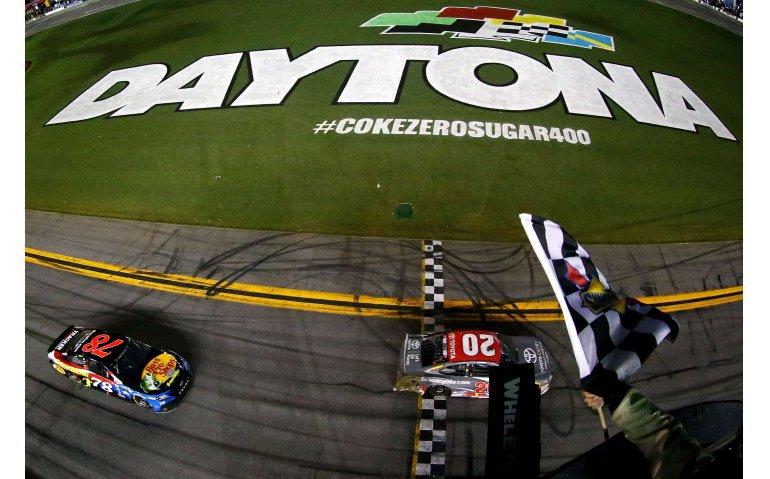 Na Formule 1 blijft ook NASCAR bij Ziggo Sport Totaal