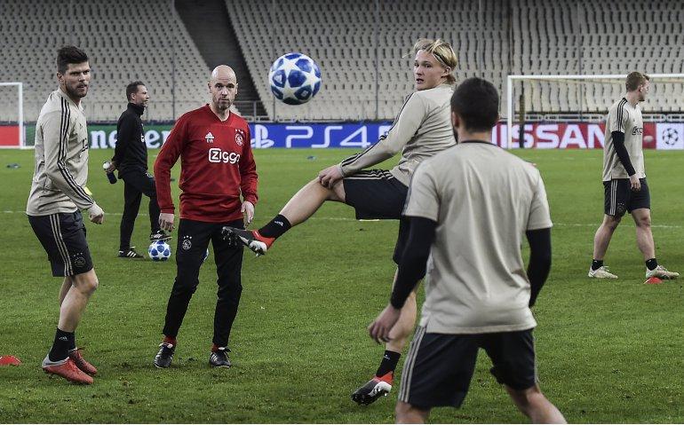 AEK Athene – Ajax live op televisie en radio