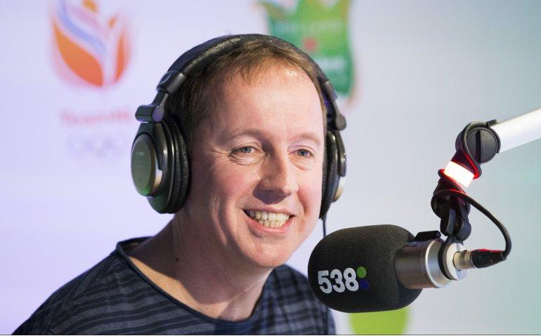 Radiofenomeen Edwin Evers stopt: Einde Evers Staat Op live op tv en radio