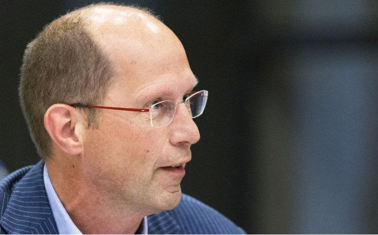 Paul Römer vertrekt bij publieke omroep