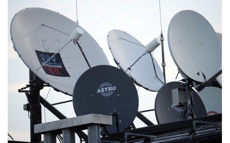 IPTV stoot satelliet van de troon