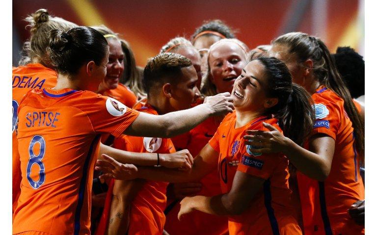 Voetbal: WK-uitzwaaiwedstrijd Oranjeleeuwinnen live op Veronica