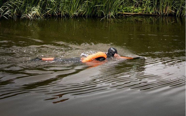 Elfstedenzwemtocht met Maarten van der Weijden volledig op tv
