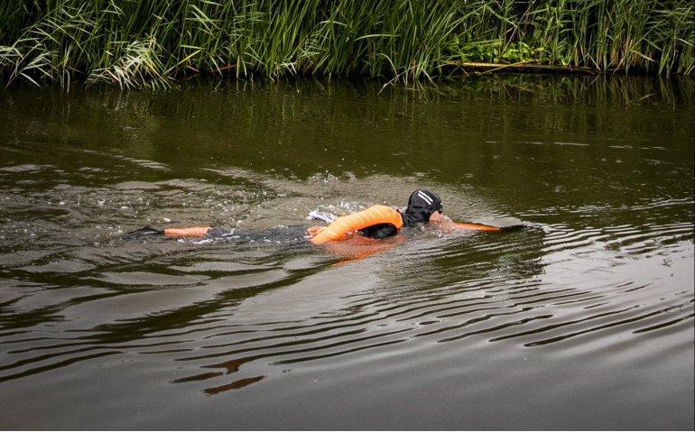 Elfstedenzwemtocht met Maarten van der Weijden uitgebreid op Omrop Fryslân