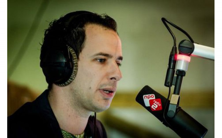 NPO Radio 2 best beluisterd, Qmusic nadert 538