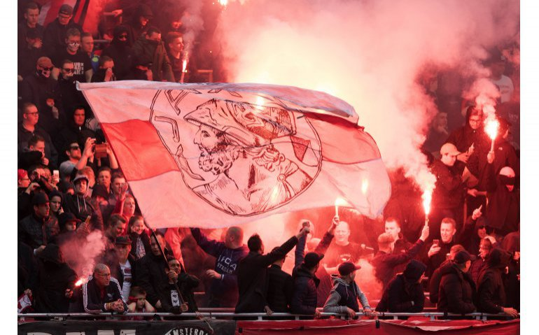 Ajax – Chelsea live op tv en radio