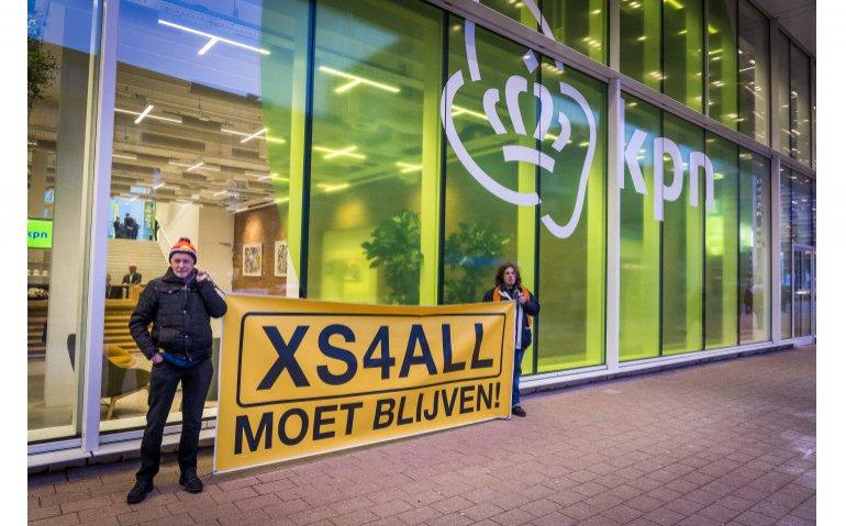 XS4All crowdfunding enorm succes: Slacht KPN kip met gouden eieren