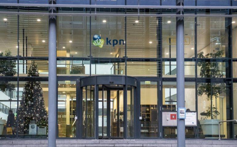ingang hoofdkantoor KPN in Rotterdam