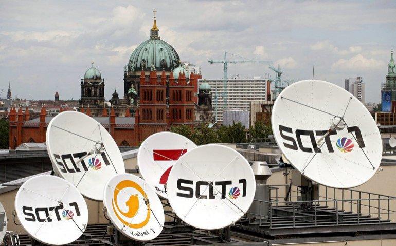 Hoofdkantoor ProSiebenSat.1 satelliet schotelantenne