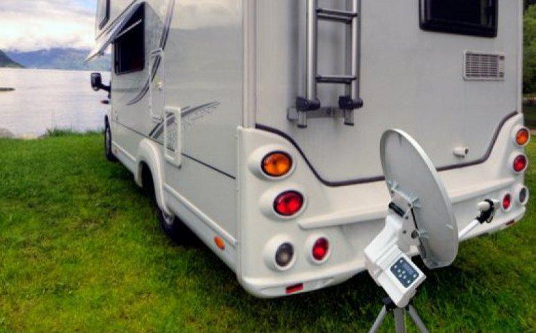 Camper kamperen met tv van Joyne