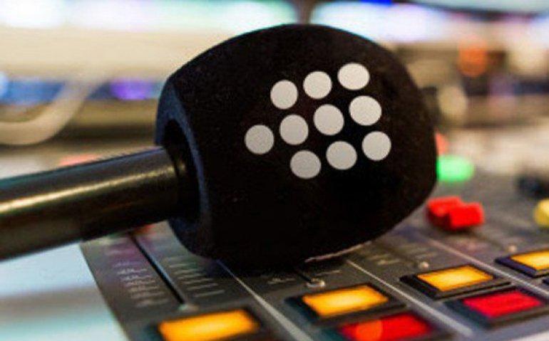 Talpa zet mes in themazenders Radio 10, Sky Radio en Veronica