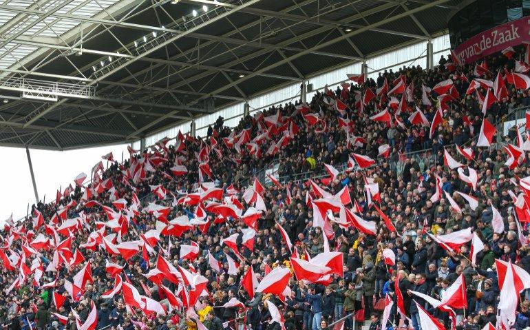 Wordt live voetbal kijken Ajax, Feyenoord en PSV nog duurder?