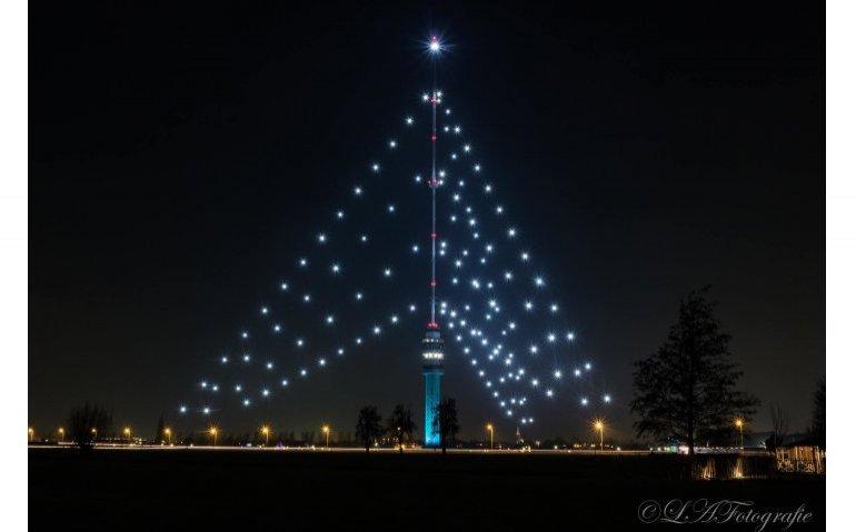 Zendmast IJsselstein ondanks corona weer grootste kerstboom