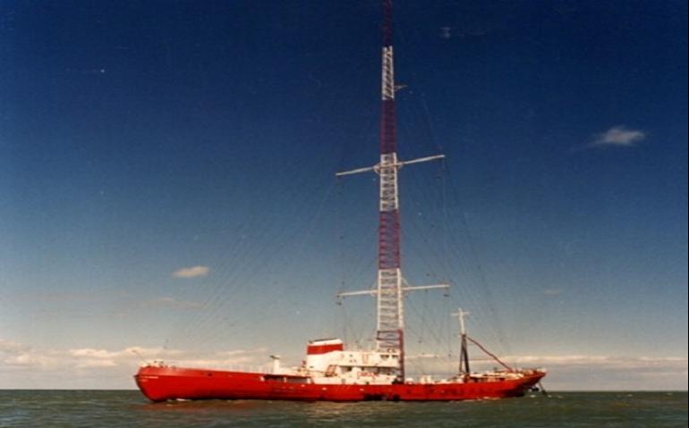 Zeezender Radio Monique 963 werkt aan terugkeer