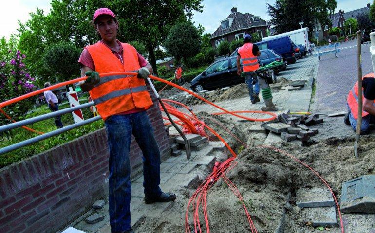 KPN zet Ziggo in meer gemeenten met aanleg glasvezel onder druk