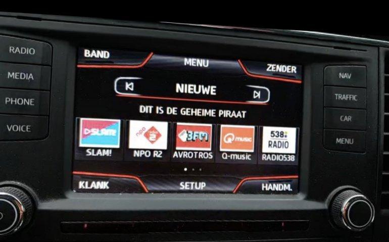 Radiopiraat zet AT te kijk: inbeslagname duurt twaalf uur