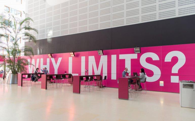 'T-Mobile Nederland staat weer in de verkoop'