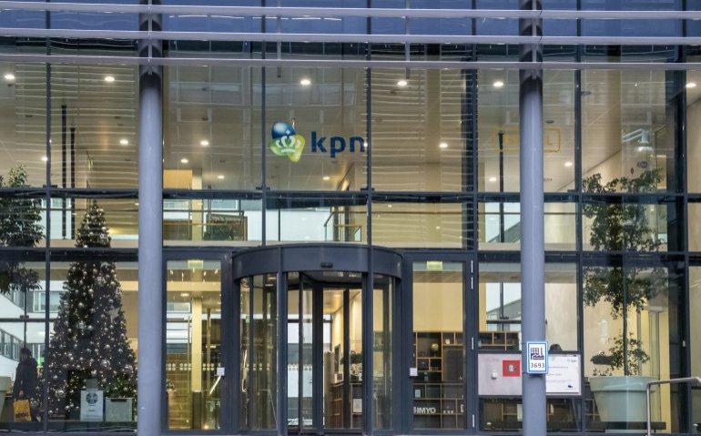 KPN opent ruim 60 winkels