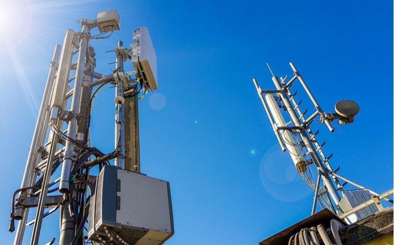 T-Mobile troeft concurrenten KPN en VodafoneZiggo af