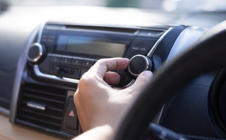 Wanneer valt het kwartje bij NPO? Radio 5 drie keer groter dan NPO 3FM