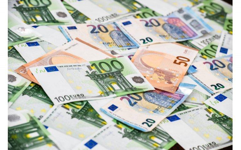 Eigenaar Delta en Caiway wil KPN overnemen: 'bod 13 miljard euro'