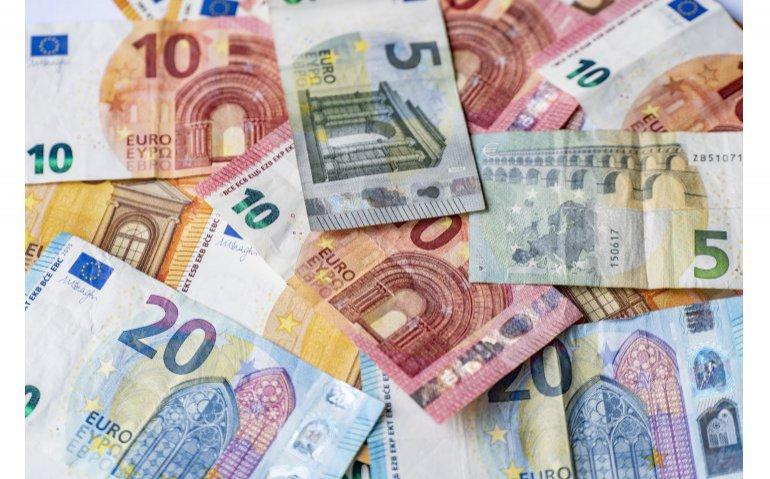 Ziggo en KPN passen prijzen aan: Weer meer betalen voor veel klanten