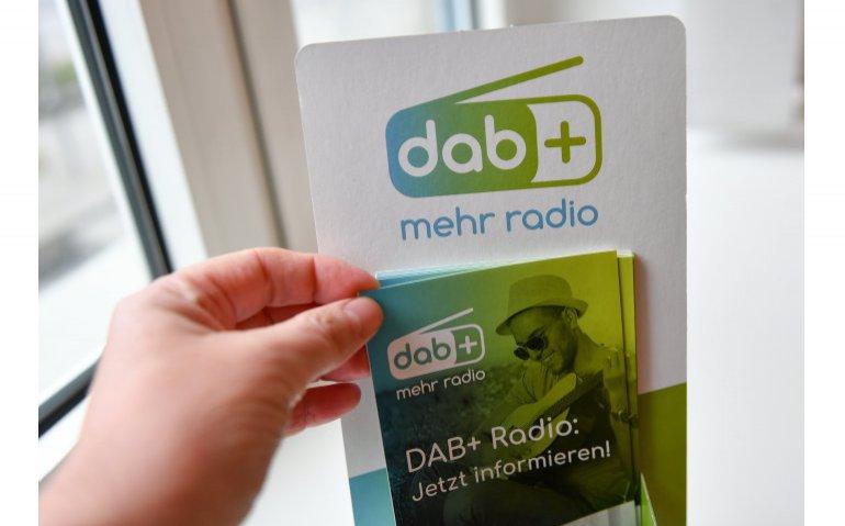 Landelijke zenderuitbreiding DAB+ door frequentieveiling